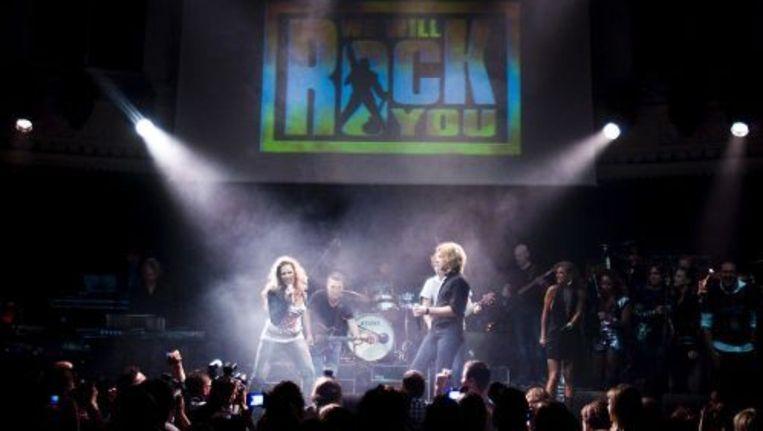 De Nederlandse cast van de musical We Will Rock You tijdens de showcase in Paradiso in Amsterdam. ANP Beeld
