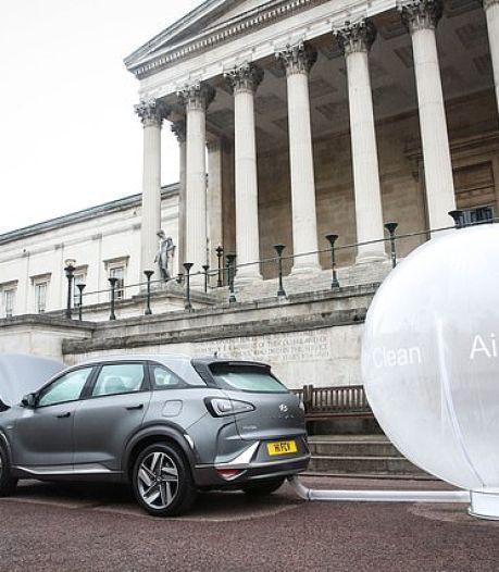 Zo kunnen auto's de lucht in steden schoner maken