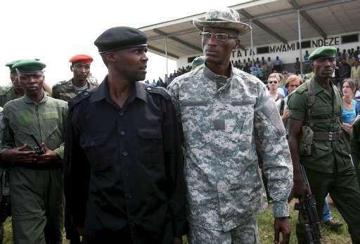 De rebellen van Laurent Nkunda (rechts) zouden, net als het Congolese regeringsleger, de mensenrechten schenden.