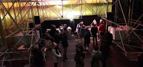 Meer vrijwilligers dan bezoekers op tweede avond Arnhem Samen: flop dreigt
