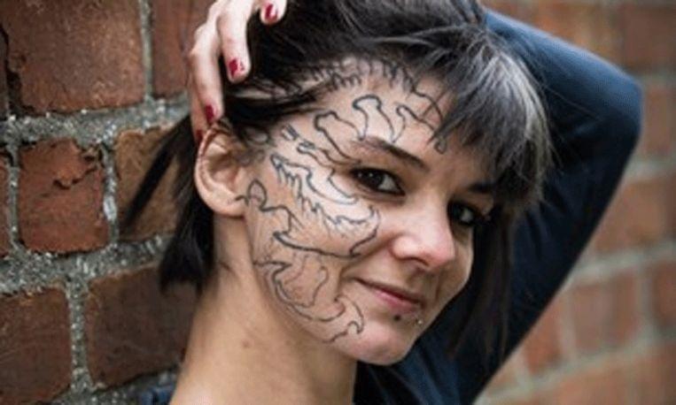 Arm kind: Belgische tatoeëerder maakt een nieuw slachtoffer