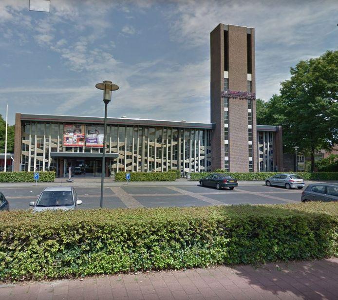 De bibliotheek in cultureel centrum De Boodschap aan de Nassaulaan in Rijen wordt flink verbouwd en wordt deels verplaatst van achterin naar vooraan in het gebouw.