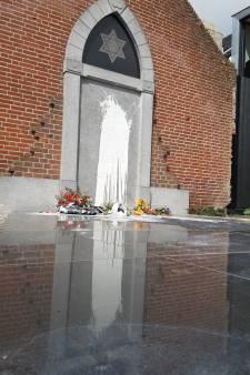 Joods monument in Cuijk beklad met witte verf en tekst 'Free Palestina': 'Echt respectloos'