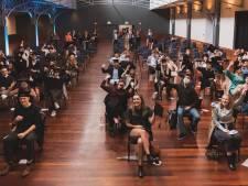 Arteveldehogeschool zwaait afgestudeerde journalisten uit in ICC