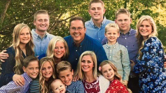 De vader met zijn gezin voor corona toesloeg
