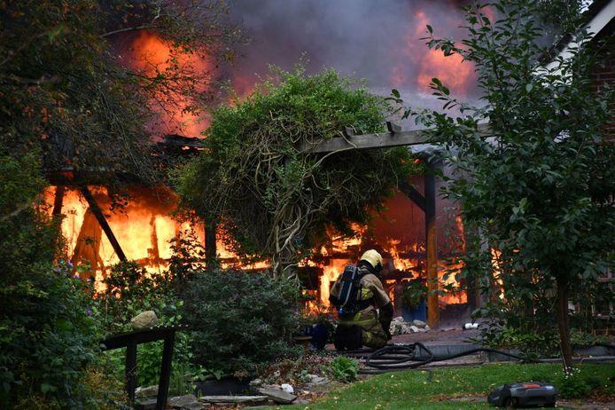 Een enorme vuurzee zaterdagmiddag in Daarlerveen
