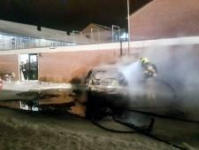 Verdachte van autobranden Gorinchem zit vast nadat hij zelf het politiebureau binnenliep