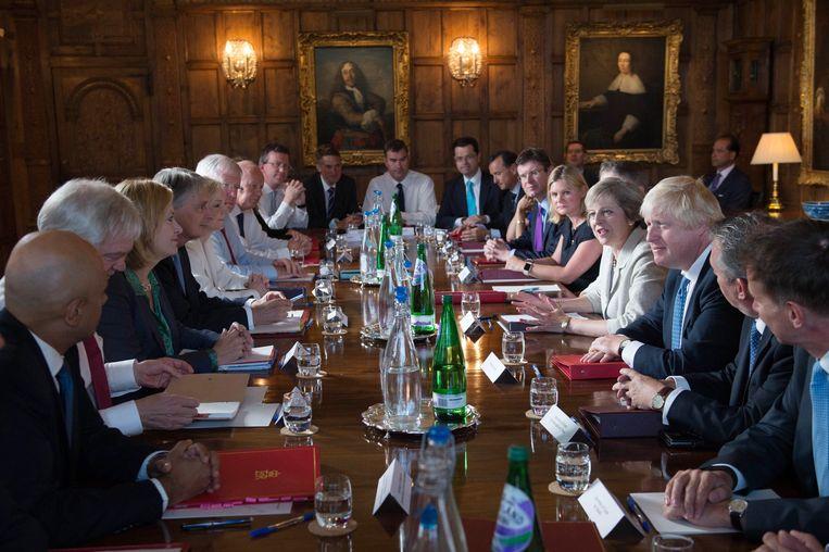 De Britse regering komt vandaag samen in Chequers, het landhuis van de premier. Ook andere jaren vonden hier al regeringsbijeenkomsten plaats (foto: 2016). Beeld Photo News