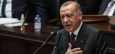 """L'Élysée dénonce les propos """"inacceptables"""" d'Erdogan contre Macron"""
