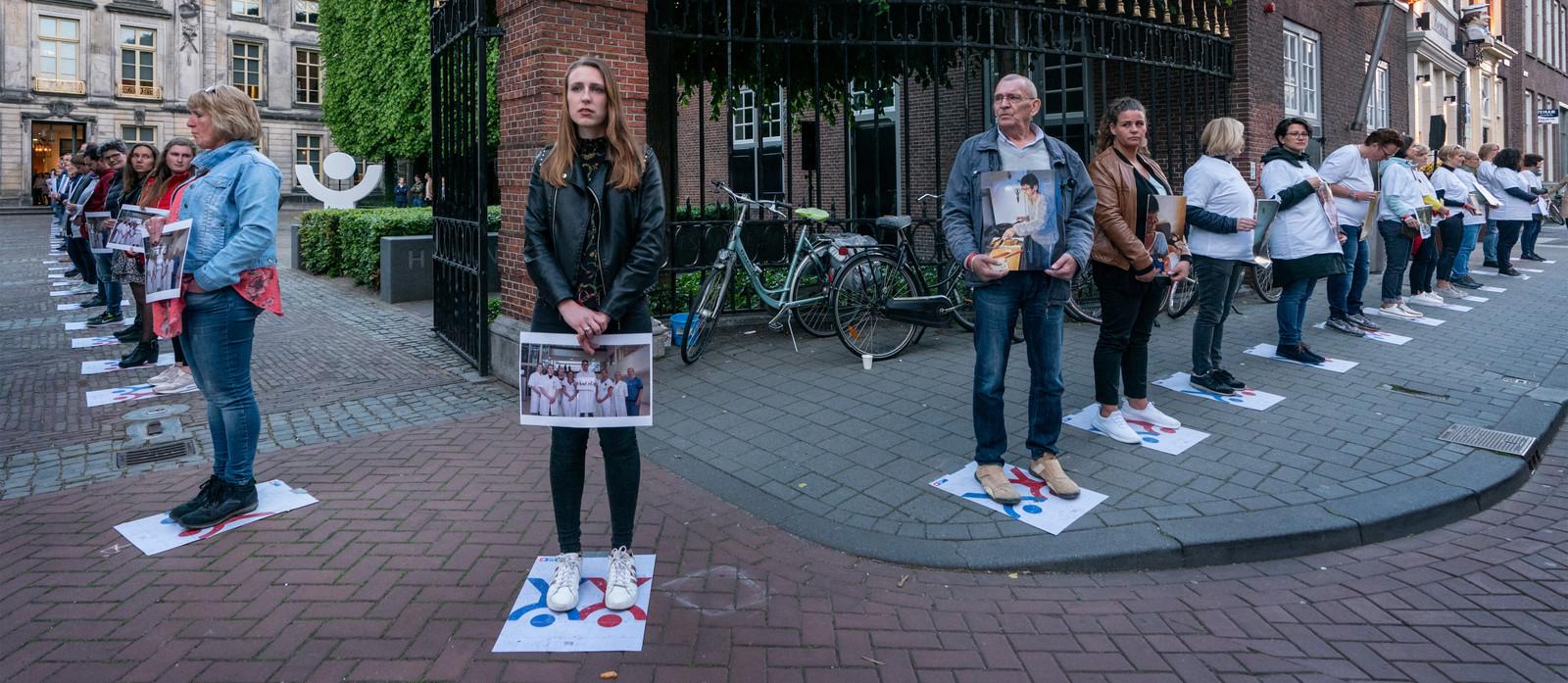Tijdens Sta op tegen Kanker was er in de Bossche binnenstad een menselijk lint.