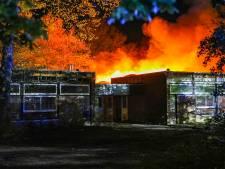 Grote brand in voormalig schoolgebouw in Apeldoorn