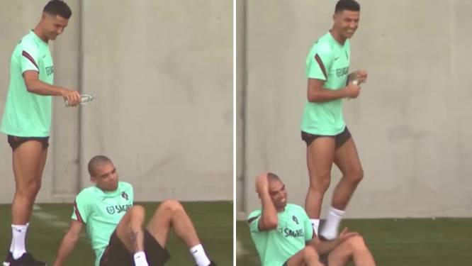 Cristiano Ronaldo neemt Pepe te grazen op training (en de verdediger kan er gelukkig om lachen)