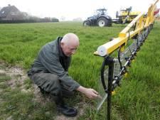 Plexiglas op sproeimachine helpt akkerbouwer uit Herveld aan goede oogst