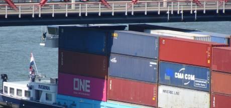 Bewoners torenflats Oude Maas vreesden dat schip tegen brug zou varen: 'Het gaat vroeg of laat mis'