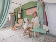 Leven als een digitale nomade in 'retrokantoor' op wielen