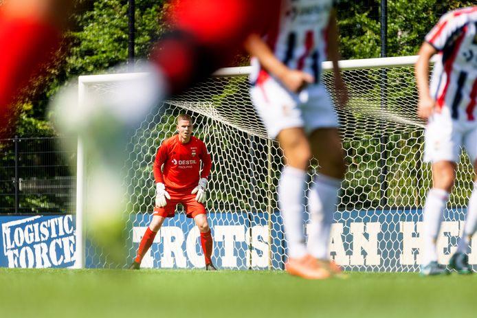 Robbin Ruiter hield de nul in het oefenduel van Willem II met Excelsior.