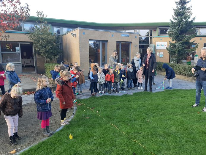 Bolderik: 35 jaar en een nieuw vergroend schoolplein.