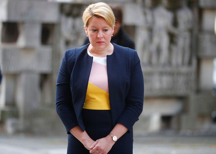 De Duitse federale minister van Familiezaken, Franziska Giffey, is onder vuur komen te liggen wegens vermeend plagiaat.