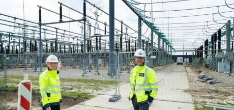 Stroomnetwerk in Flevoland te beperkt om elektriciteit van wind- en zonneparken te verwerken: miljoenen gestoken in uitbreiding
