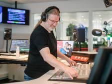Niet alles bij Sky Radio komt van een bandje: 'Na vliegramp wil je echt geen nummer over vliegen'