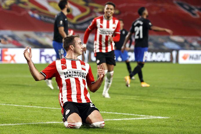 Mario Götze, juichend na zijn goal tegen Granada.