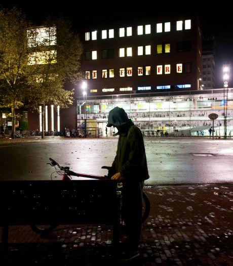 Politie in actie vanwege stelselmatige overlast op de Beestenmarkt in Deventer: 34 boetes