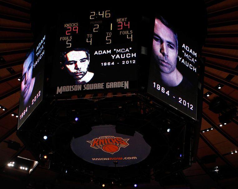 New York Knicks eerder gisteren de vrijdag overleden Beastie Boys-oprichter Adam Yauch. Beeld afp