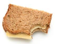 Broodje eten met college in dorpshuis Wanneperveen
