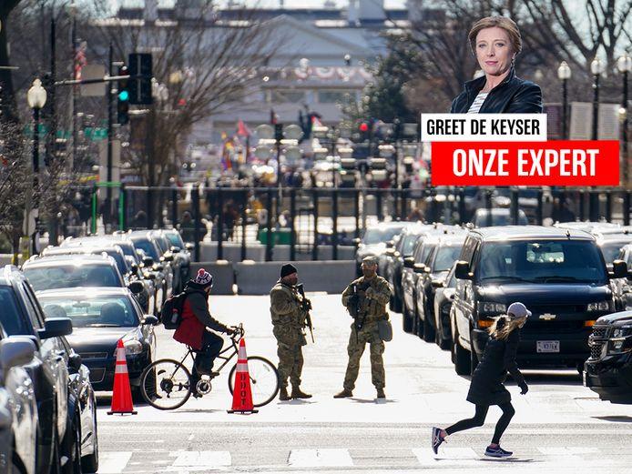 Een wegversperring in Washington DC, dat met de inauguratie deze week op een versterkt fort lijkt.