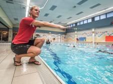 Zwemscholen trekken aan de bel: 'Ouders lijken te bezuinigen op de zwemles'