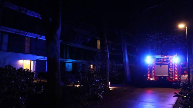 Plaat van boiler weggeblazen na brand in appartement