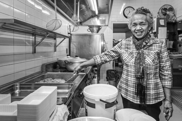 Sri Karso in de keuken in 2015. Beeld Dingena Mol