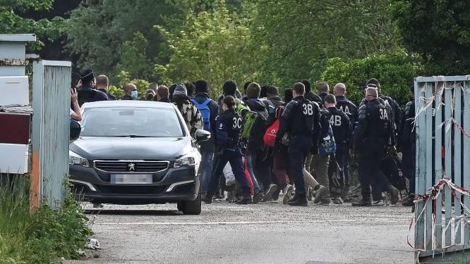 Migrantenkamp in Calais ontruimd na vechtpartijen