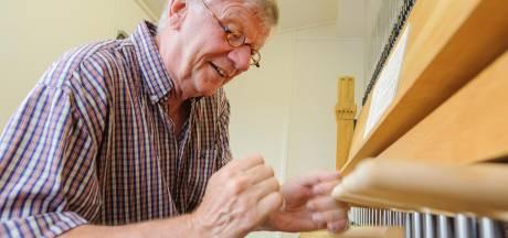 Stadsbeiaardier speelt 'Radar Love' van Golden Earring op Hengelose carillon