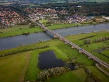Nieuwe Rijnbrug krijgt twee keer twee rijstroken, willen provincies