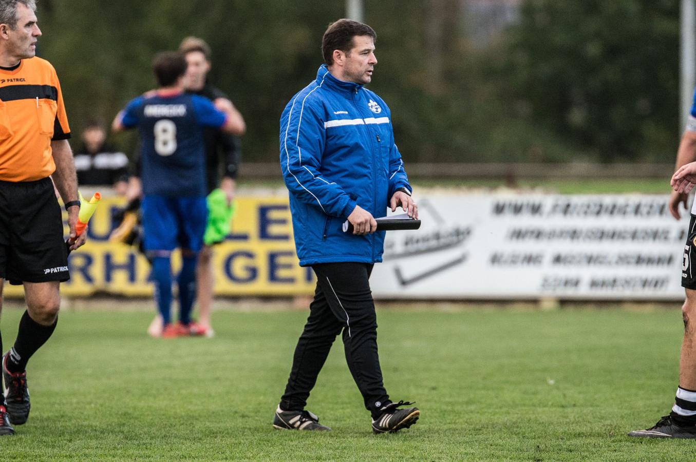 Coach Nico Van Roost hoopt op een zorgeloos seizoen met SC Aarschot in eerste provinciale.