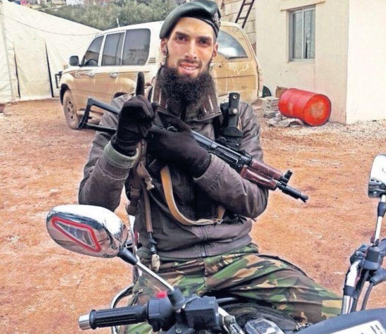 null Beeld De Nederlandse jihadist en ex-militair Yilmaz.