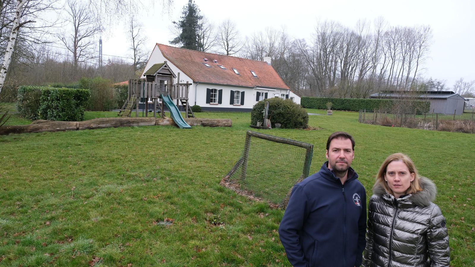 Niek Benoot en Ilse Watteyne mogen vanaf 27 juni weer grote groepen ontvangen in hun vakantiewoning Cottage de Vinck in Zillebeke.