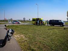 Scooterrijder raakt gewond bij botsing met busje in Dieren