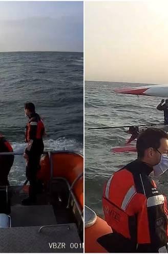 Catamaran kapseist voor kust van De Haan: reddingsdienst vist drenkeling kilometer verder uit zee