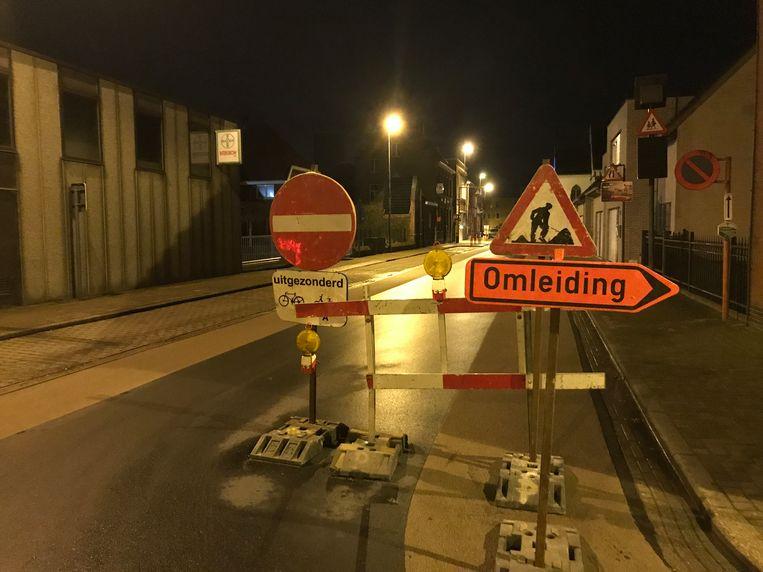 KORTEMARK - De gemeente vraagt om de signalisatie tijdens de werken in deze Torhoutstraat te respecteren