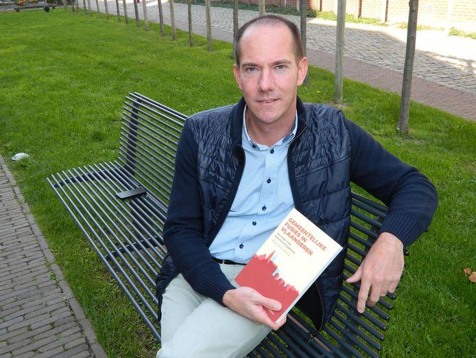 Koenraad De Ceuninck schrijft ook boeken.
