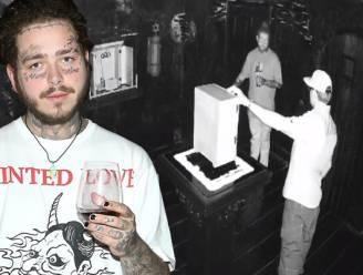 """Rapper Post Malone rommelt met """"bezeten voorwerp"""" en sindsdien ontsnapte hij al 3 keer aan dood"""