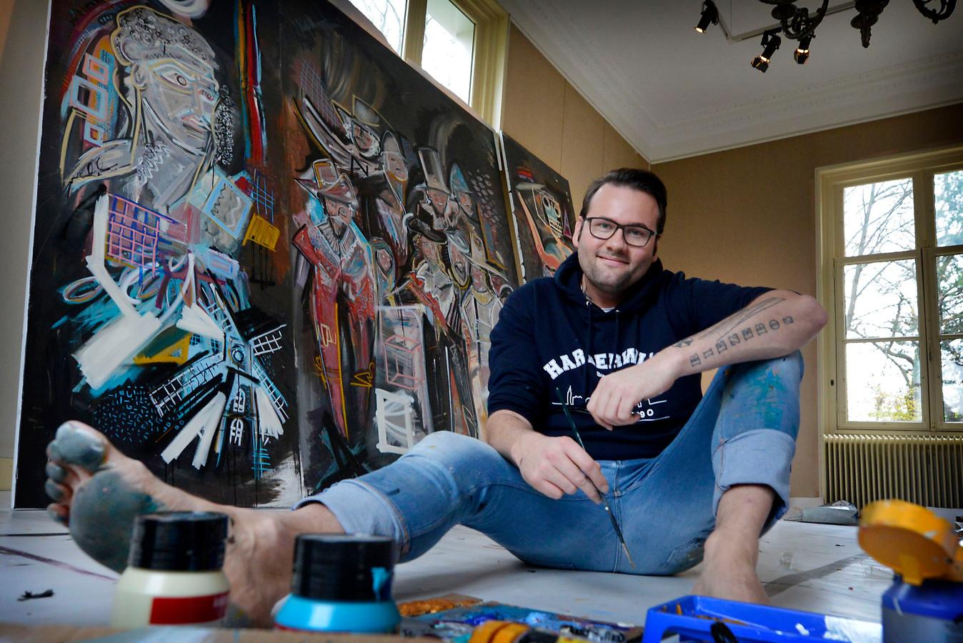 Baarn - Kunstenaar Peter Riezebos schildert De Nachtwacht in Paleis Soestdijk