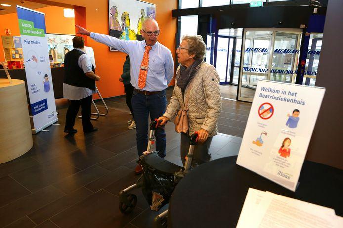 Een deel van de planbare zorg wordt afgeschaald, waardoor ook sommige patiënten in het Beatrixziekenhuis noodgedwongen langer op hun operatie moeten wachten.