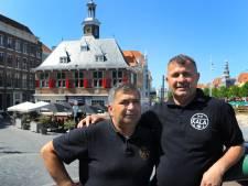 Kasper en Alajdin laten je Grieks en letterlijk goed eten in het voormalige Beursgebouw in Vlissingen