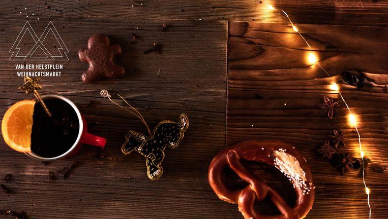 Duitse ingrediënten op de kerstmarkt op het Van der Helstplein. Beeld Simone Frank