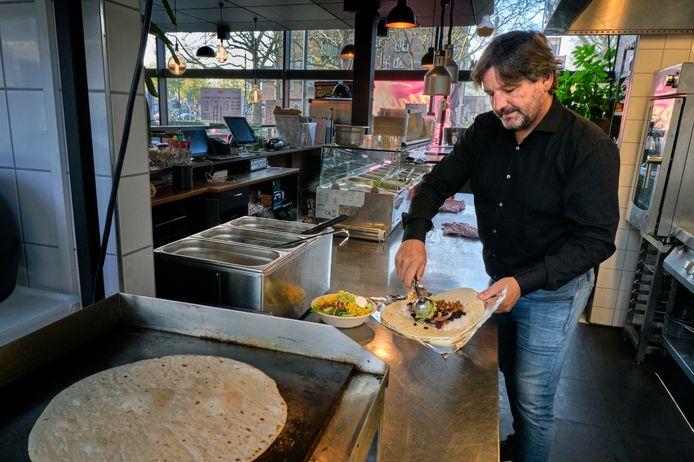 Carlo van Ast met zijn Macho Mama burritos.