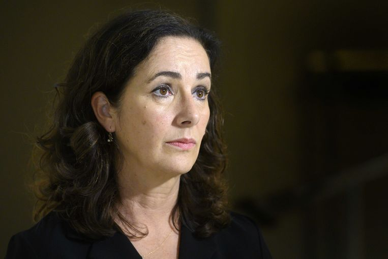 De Amsterdamse burgemeester Femke Halsema heeft 'met afschuw' gelezen over de zaak en zegt de mogelijkheden te onderzoeken om uitzetting van Daniël Buter te voorkomen.  Beeld ANP