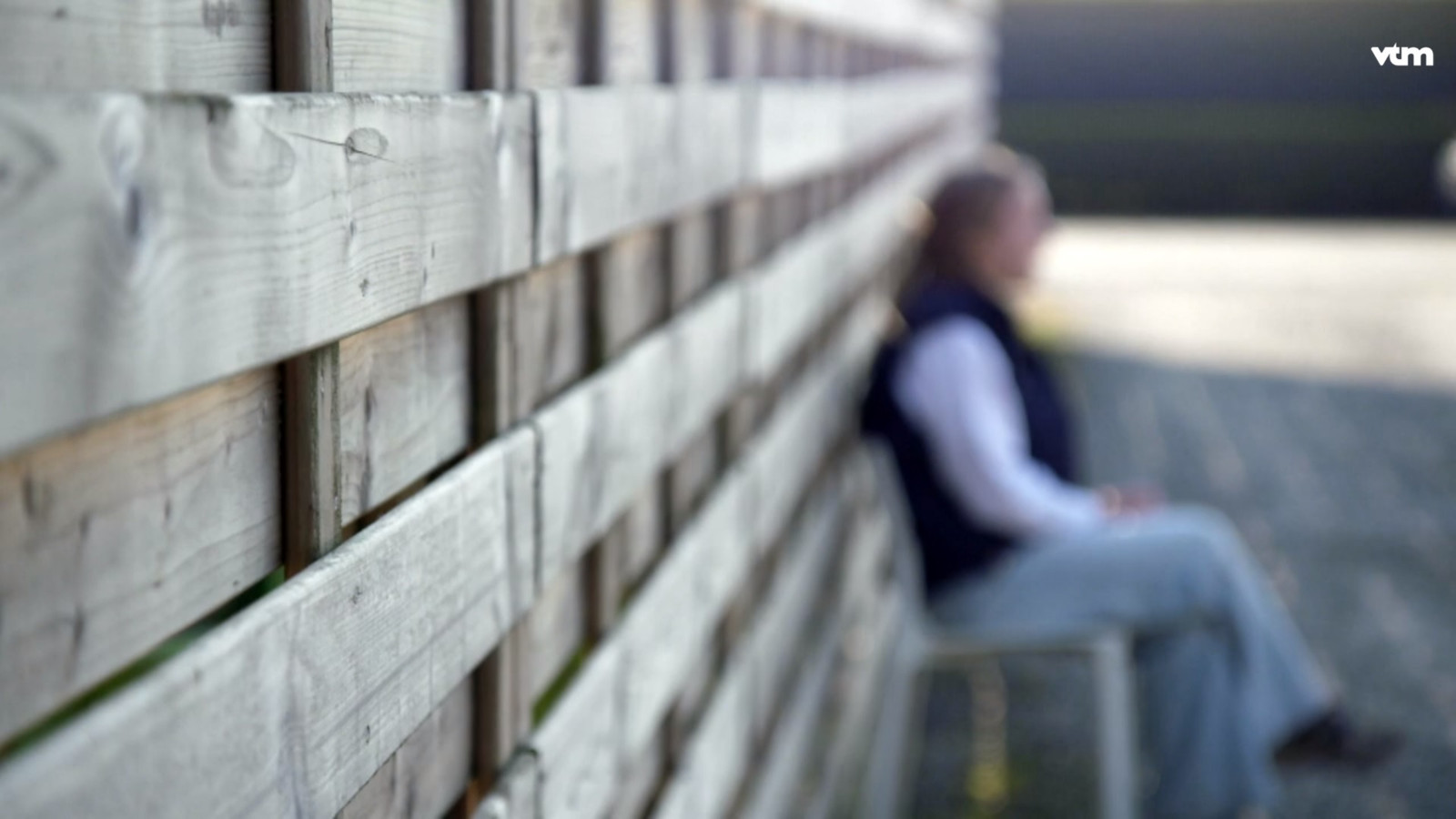 Het slachtoffer getuigt in het Belgische opsporingsprogramma Faroek over de feiten.